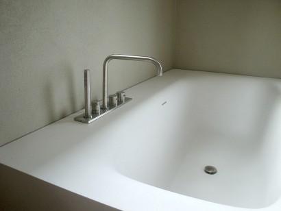 Badewanne aus staron