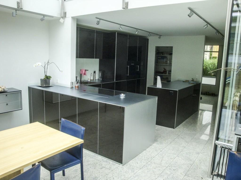k che in schwarz 3schreiner ag. Black Bedroom Furniture Sets. Home Design Ideas